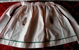 Vintage Embroidered Apron With Embroidered Japanese Figures