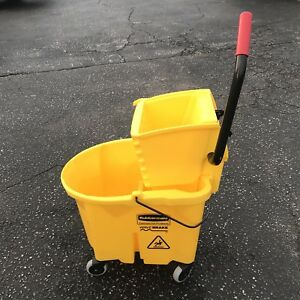 Rubbermaid commercial Products Wavebrake Mop Bucket wringer