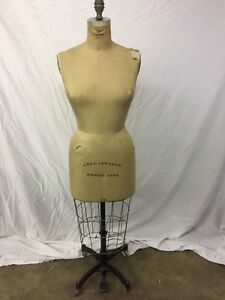Vintage Wolf Dress Form Model 1981 Size 14 Collapsible