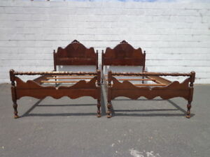 2 Twin Beds Antique Victorian Shabby Chic French Provincial Bedroom Single Bed