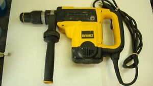Dewalt D25501 1 9 16 Sds Max Corded Rotary Hammer Drill With Accessories Do