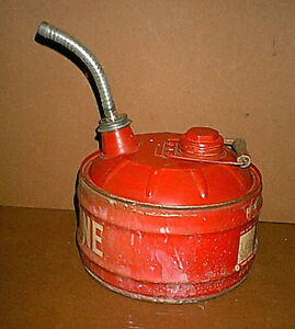 Vintage Tractor Mower Car 2 1 2 Gallon Gasoline Can With Metal Spout Unused
