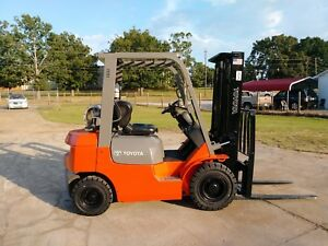 4000lb Pneumatic Toyota Forklift 1 Owner Nice Lift Ready To Go