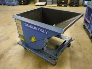 Heavy Duty 42 x49 x39 Industrial Chip Hopper Dumper On Casters