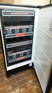 Wci Fmr3 Refrigerated Soda Vending Machine Runs Great With Keys Circa 1996