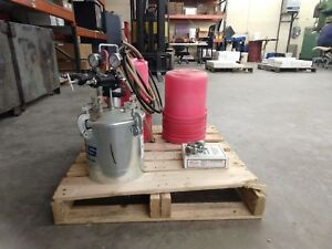 Binks Pressure Pot And Compact Auto Spray Gun Misc Other Items