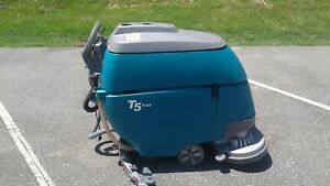 Reconditioned Tennant T5 Fast Walk Behind Floor Scrubber 28in
