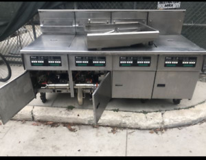 Pitco 4 Bank Fryer With Filtration System