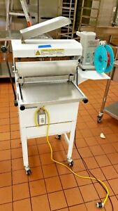 Oliver Bread Slicer Model 777 Nt