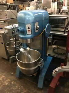 Hobart H 600 60 Quart Mixer With Bowl And Dough Hook works Great