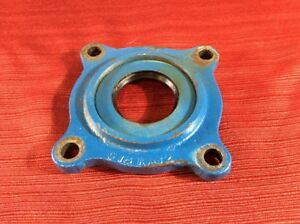 1966 1977 Early Ford Bronco Dana 20 Transfer Case Front Output Bearing Retainer