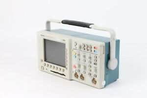 Tektronix Tds3032b Two channel Color Digital Phosphor Oscilloscope