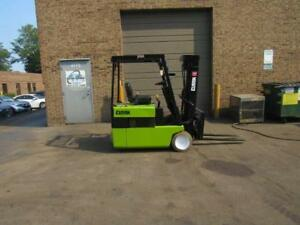 Clark 3000lb Electric Forklift Tm15 2yr Old Battery