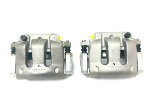 New V6 Pair Front Calipers Rh Lh Ford Mustang With Pads 2011 2014