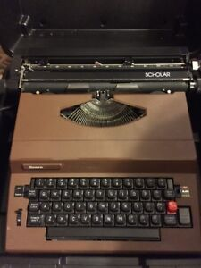Vintage Sears Scholar Portable Electric Typewriter W Hard Case Black