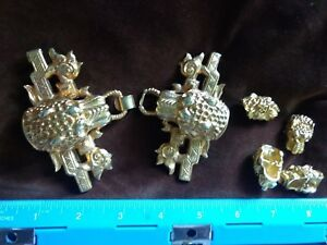 Vintage Chinese Gilt Metal Foo Dog Dragon Belt Buckle And 4 Matching Buttons