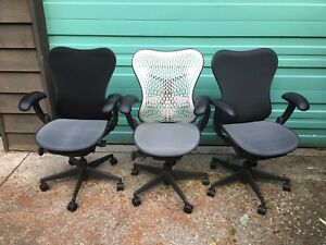 Herman Miller mirra Chairs Mesh Seat All The Functions Available