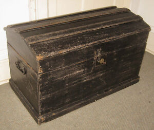 Antique Steamer Trunk Vintage Rustic Wooden Painted Immigrants Chest C1850 W Key