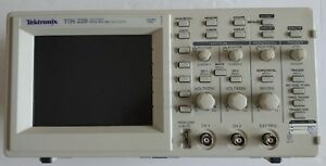 Tektronix Tds220 Digital Oscilloscope