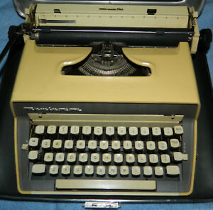 Classic Remington Manual Typewriter Quiet Riter Eleven With Carrying Case