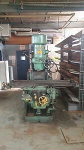 Kearney Trecker milwaukee Vert Milling Machine Mod Csm 65 x13 Table