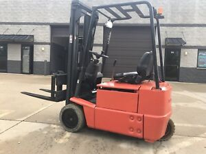 1999 Baker linde 3000 Pound 3 Wheel Low Dollar Tight Turning Radius Forklift