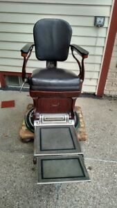 Vintage Antique Early 20th Century Peerless Dental Dentist Exam Chair Barber