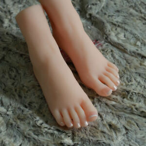 One Pair Lifelike Silicone Feet Model Female Mannequin Foot Display