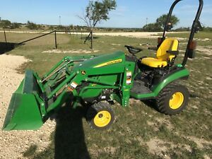 2016 John Deere 1025r Tractor With Loader Shredder And Box Blade