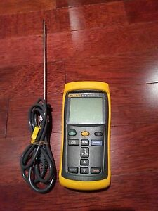 Fluke 52 Ii Thermometer With Fluke K type 8415 Probe