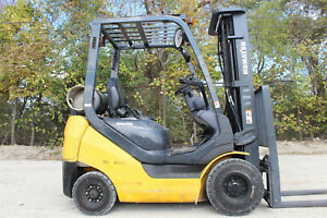 2010 Komatsu Fg18ft 20 Pneumatic Tire Forklift Hi Lo Lift Truck Compact Chassis