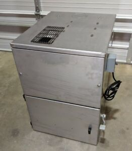Donaldson Torit 60 Cab Cabinet Dust Collector 3 4 Hp 110v 60hz w o Filter Pack