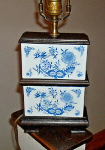 Vintage Blue Onion Stacked Square Porcelain Table Lamp