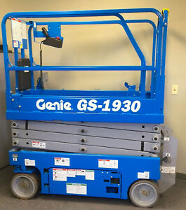 2013 Genie Scissor Lift scissor Lift 26 Ft Working Height