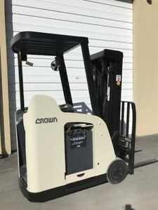2009 Crown Electric Forklift Dockstocker Narrow Aisle Stand Up Rc5500