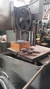 Vertical Band Saw Metal Cutting With Welder