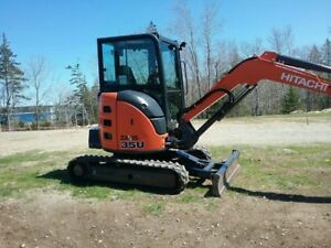 2014 Hitachi Mini Excavator Just 2067 Hours