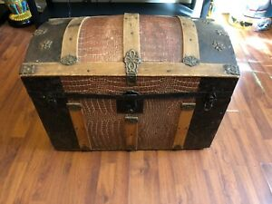 Super Nice Antique Compartmented Small Dome Top Trunk Chest