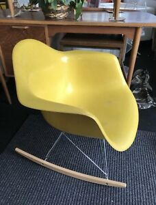 Mid Century Modern Eames For Herman Miller Fiberglass Shell Rocking Lounge Chair