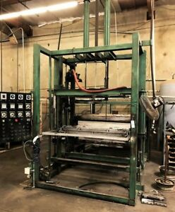 Thermoformer Vacuum Former 46 x52 Forming Area Dual Platen Calrod Heat