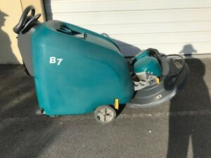 Tennant B7 Battery Powered Walk behind Burnisher 493 Hrs W On Board Charger
