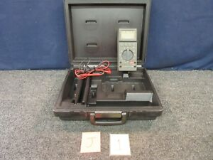 Fluke 27 fm Multimeter Electric Test Cables Volts Power Range Equipment Used