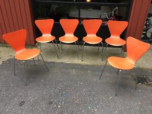 Set Of 6 Mid Century Modern Arne Jacobsen Series 7 Style Chairs Red