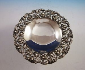 Meriden Brittania Sterling Silver Fruit Bowl Footed Pierced Design 896 2990