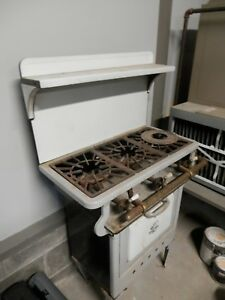 Vintage Quick Meal Stove 3 Burner Oven 19 By 28 By 50