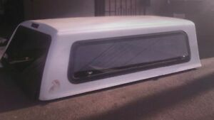 White Snugtop Camper Shell For 2003 Toyota Tundra