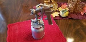 Sharpe Model Spray Gun With Sharpe 450 Cup Assembly
