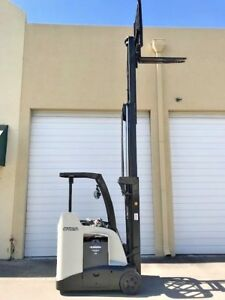 2011 Crown Electric Forklift 2018 Battery 10 985 Hrs Charger Available Rc5500