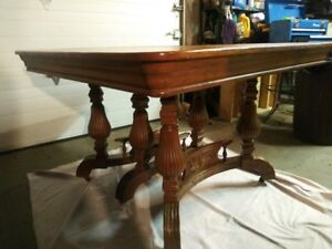 Real Nice Solid Oak Antique Hand Carved Extension Dining Room Table