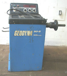 Hofmann Geodyna 30 3 Computer Wheel Balancer Machine 245